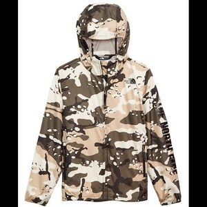 The north face big boys camo windbreaker L 14/16